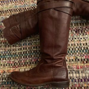 Frye Shirley Strappy boot, brown, size 7